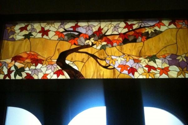 Tiffany ablak juharfa
