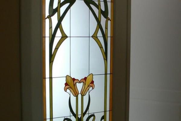 Ajtó-ablak tiffany-ólmozott technikával