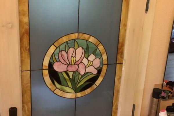 Tiffany üveg: liliom
