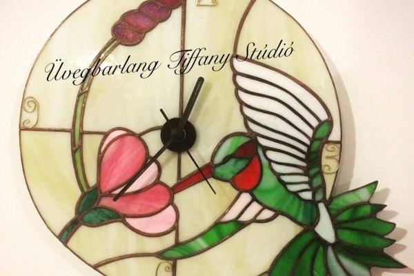 Tiffany üveg: kolibris óra
