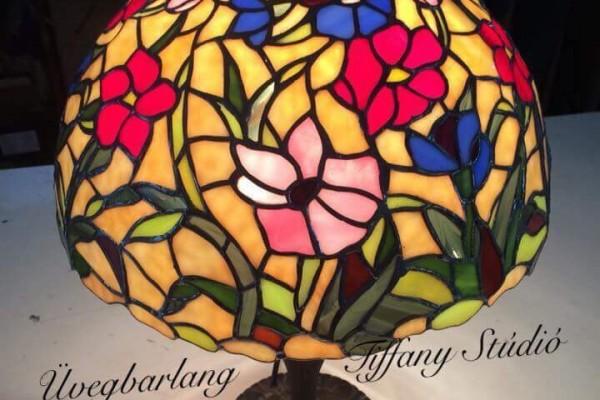 Tiffany asztali lámpák
